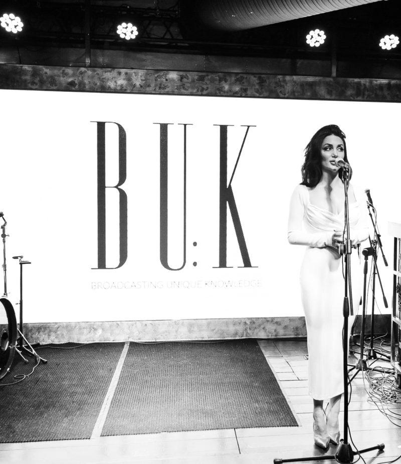 Buk_magazine_annarafaelly